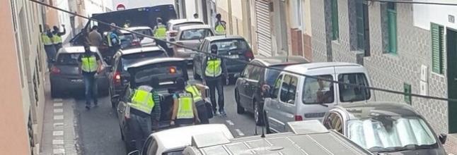 Los yihadistas detenidos son un hombre de Mataró y una joven de Fuerteventura