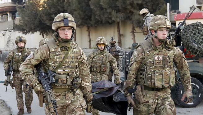 España trabaja para repatriar lo antes posible a los policías muertos en Kabul