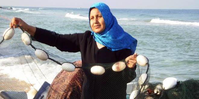 La Casa de la Juventud acoge una exposición sobre la situación y el papel de las mujeres refugiadas en la franja de Gaza