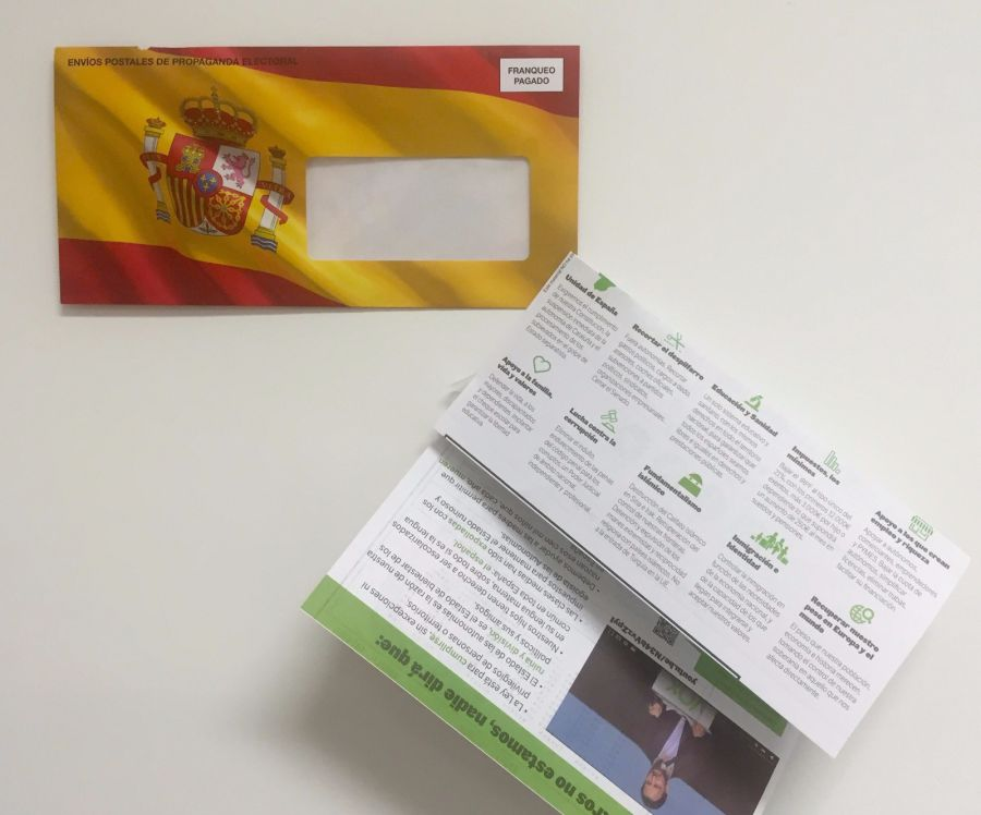 El Supremo ordena a Correos distribuir la propaganda electoral de Vox con la bandera de España
