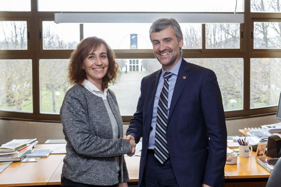El rector de la UPNA recibe a la consejera de Cultura, Deporte y Juventud
