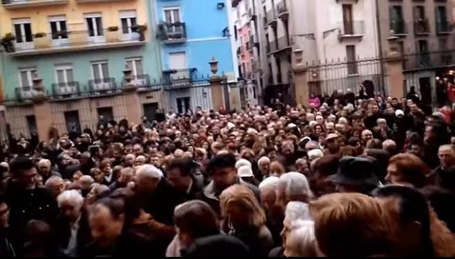 Apertura 2 Puerta santa catedral de pamplona año jubilar misericordia 2015