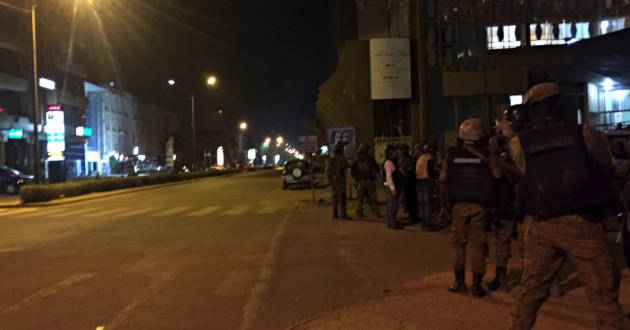 Al Qaeda toma rehenes en un hotel de Uagadugú frecuentado por extranjeros