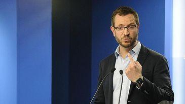 Maroto dice que la falta de unidad del PSOE imposibilita que sea alternativa