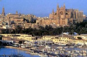 El Gobierno balear aprueba un impuesto turístico con el que espera recaudar 50 millones de euros en 2016