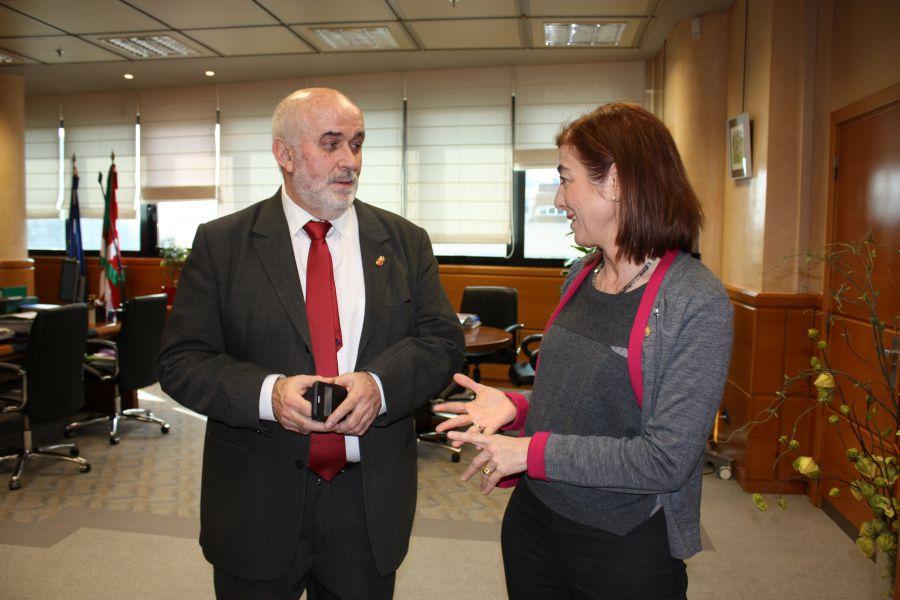 Los consejeros de Educación de Navarra y País Vasco piden la derogación de la LOMCE