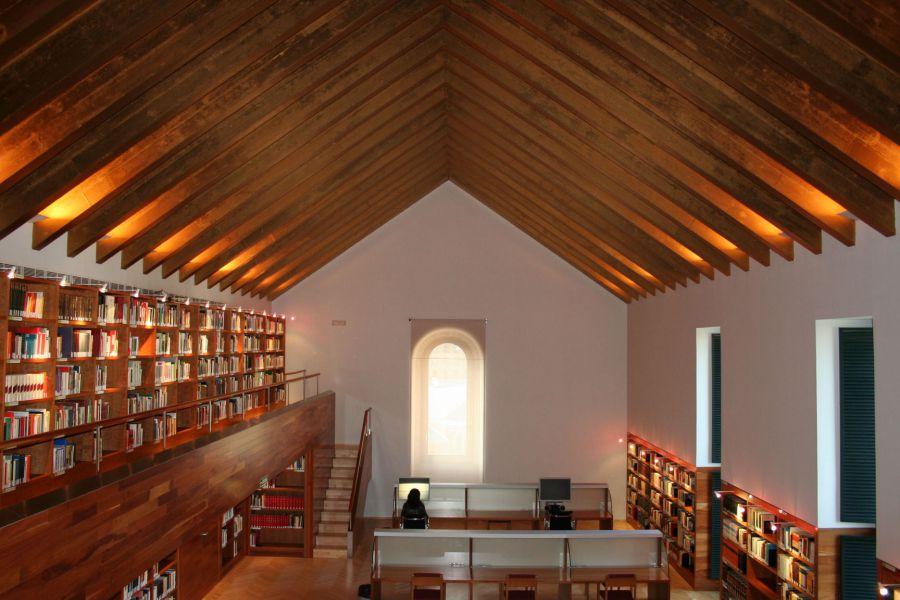 El Archivo General de Navarra cerró 2015 con 6.330 asistencias, un centenar más que el año anterior