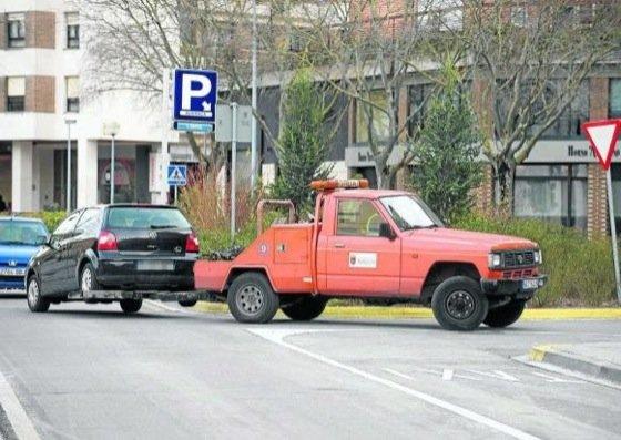 10.385 vehículos retiró la grúa municipal de Pamplona el año pasado