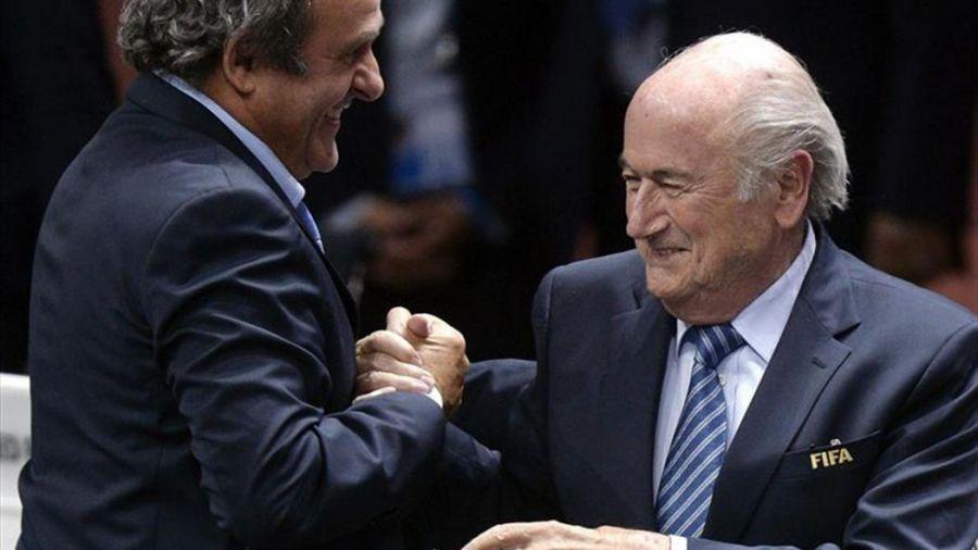 Confiscan documentos sobre la colaboración de Platini y Blatter en París