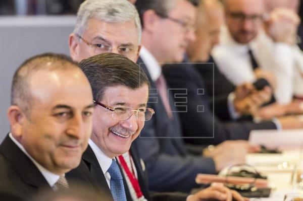 Turquía pide a la UE otros 3.000 millones de euros para 2018 para refugiados