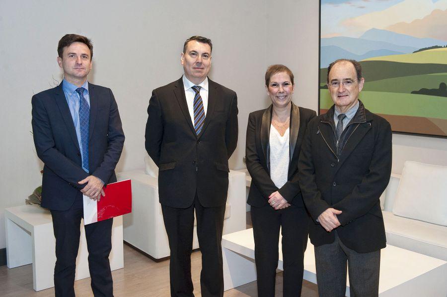 La Presidenta Barkos recibe al nuevo presidente del Orfeón Pamplonés