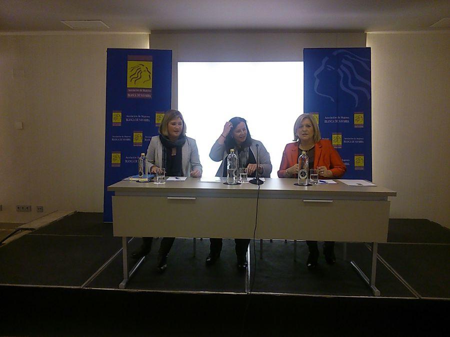 La Asociación Blanca de Navarra celebra el Día de la Mujer Trabajadora con una charla a cargo de Belén Goñi