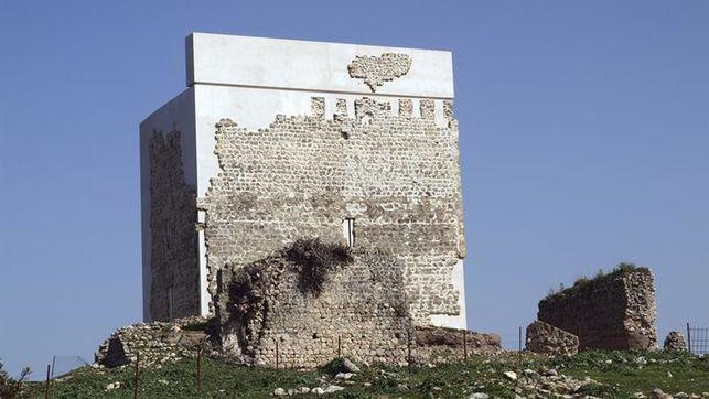El Castillo de Matrera, otro caso de restauración polémica que salta al mundo