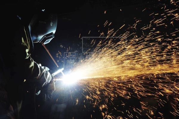 La energía en España modera el alza de los precios industriales al 5,3 % en mayo