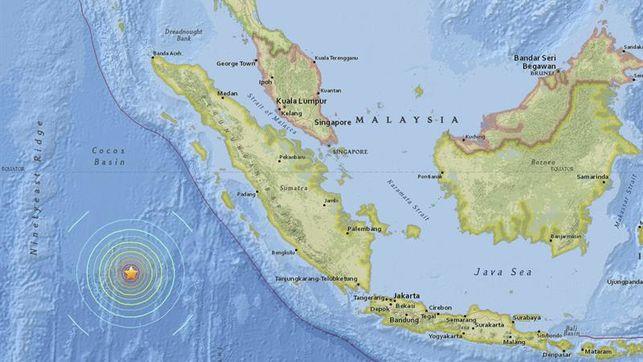 Escenas de miedo en ciudades de Sumatra por el seísmo de 7,8 grados
