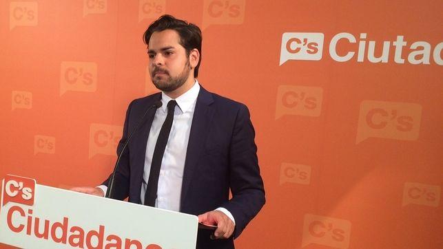 """C's avisa a Rajoy que nueva política """"exige acordar y dar la cara"""" en debates"""