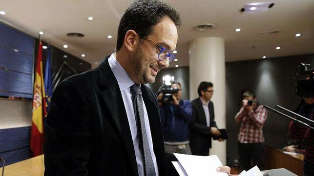 El PSOE incluye por primera vez al PP en sus negociaciones para intentar la investidura