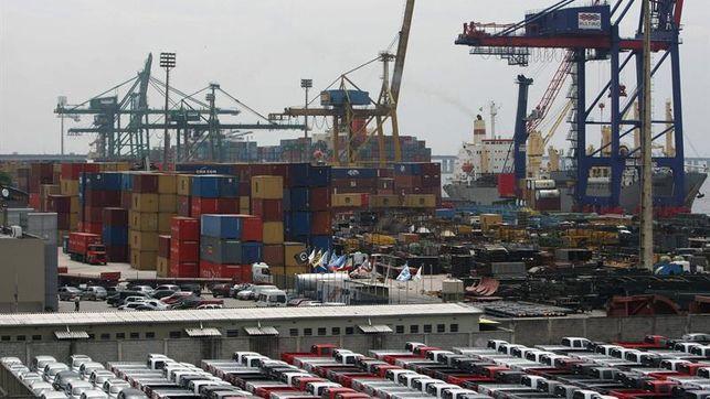 El déficit comercial de EE.UU. sube en enero 2,2 por ciento hasta los 45.700 millones de dólares