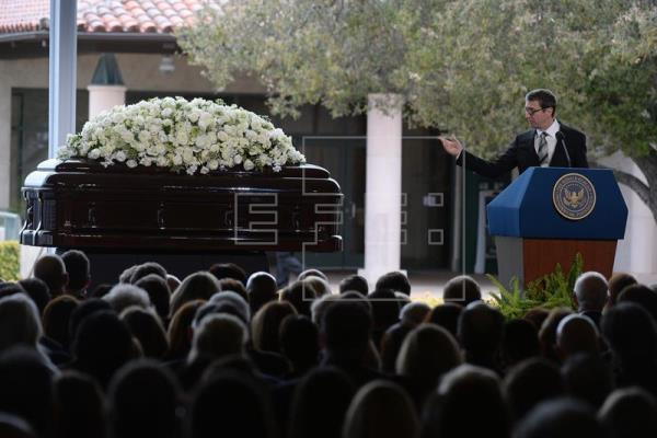 EE.UU. despide a Nancy Reagan en un emotivo funeral repleto de personalidades