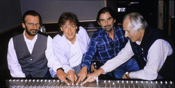 Muere George Martin, responsable del éxito de The Beatles