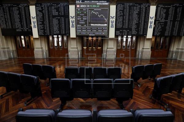 El IBEX 35 sube el 0,24 por ciento tras la apertura y se sitúa en 8.780 puntos