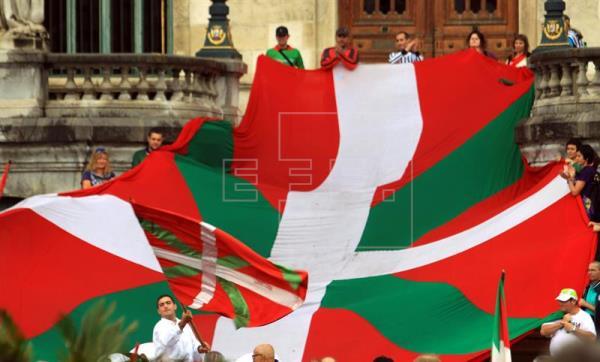 Eurovisión prohíbe la ikurriña junto con otras banderas como la de DAESH