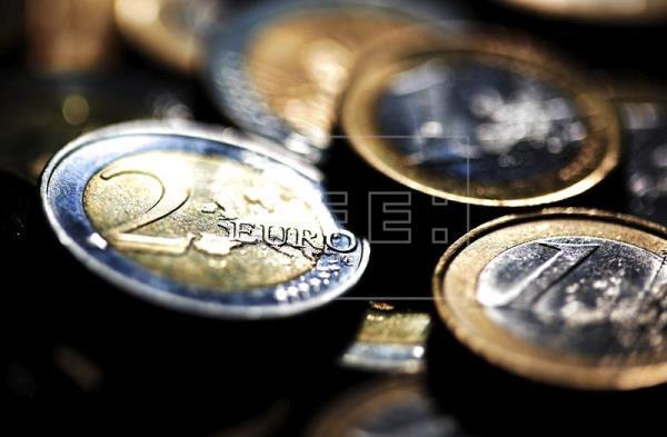 El euro sube hasta los 1,0882 dólares en Fráncfort