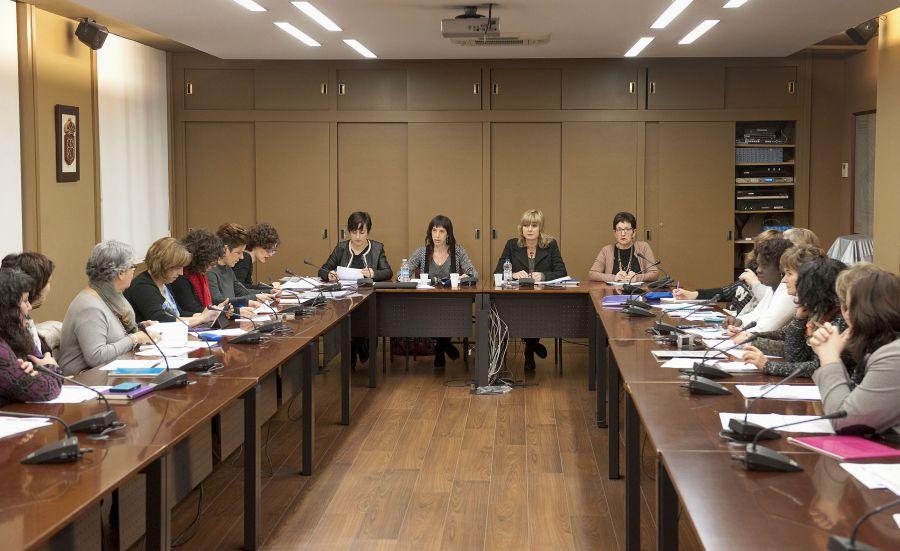 El Gobierno foral promoverá la participación de las asociaciones de mujeres en las políticas de igualdad