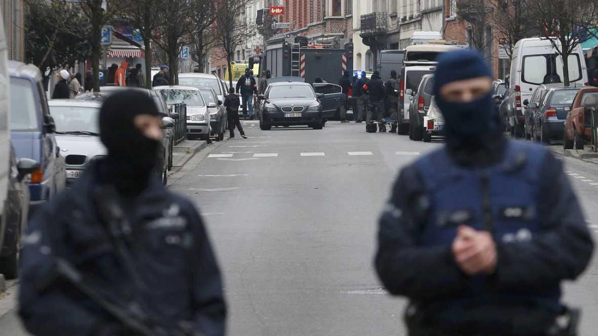 El terrorista Salah Abdeslam, herido y cercado por la Policía en Bruselas
