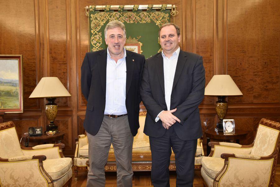 Asirón recibe al embajador de Cuba y trabajan en vías de colaboración en el sector de las energías renovables