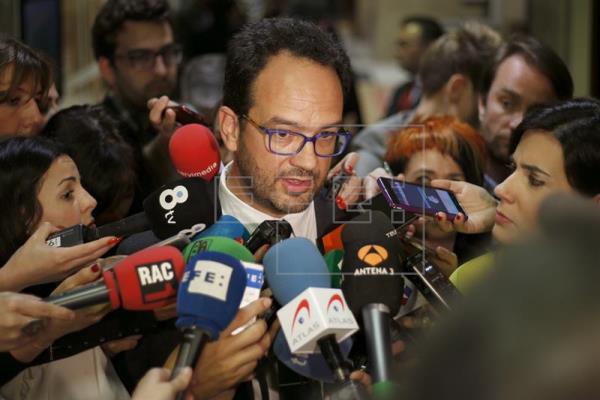 """El PSOE """"no se da por satisfecho"""", pero ve que su tendencia es al alza"""