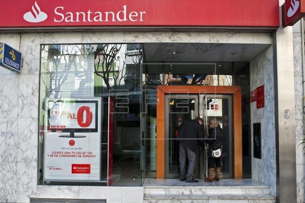 El Banco Santander acuerda con los sindicatos el despido de un máximo de 680 empleados