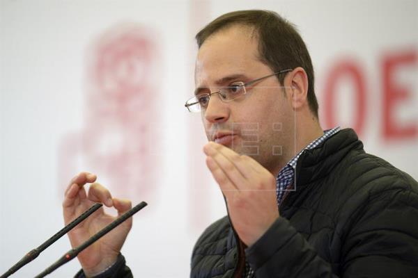"""El PSOE ve a Iglesias como un """"tapón"""" para el cambio con su """"pinza"""" con Rajoy"""