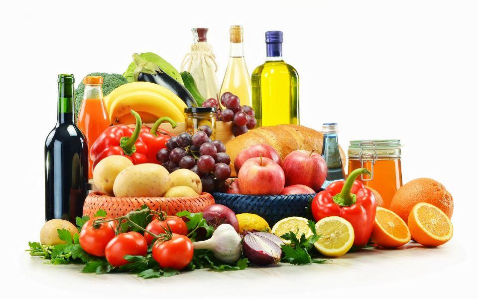 La dieta mediterránea es rica en frutas, verduras, hortalizas, pescado y alimentos no refinados.