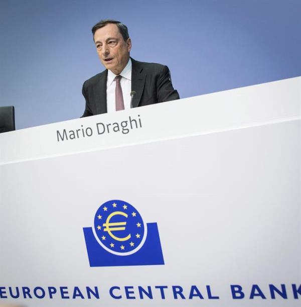 El BCE mantiene el precio del dinero y confirma el final de las compras de deuda