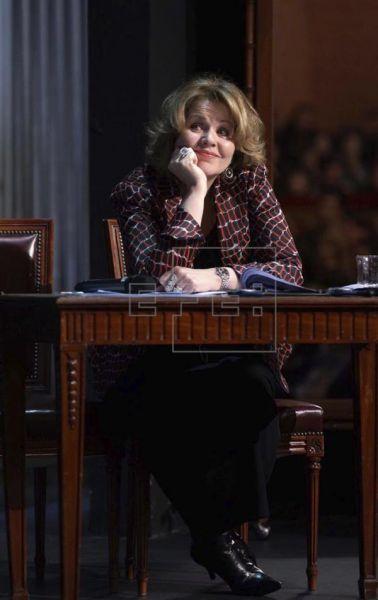 Renée Fleming, decidida a divertirse, sugiere su retirada de la ópera