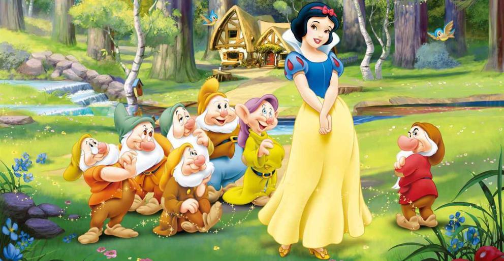 EDITORIAL:  A Blancanieves le crecen los enanos