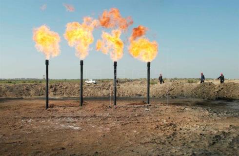 El crudo, cerca de los 60 dólares por mayor demanda y factores geopolíticos