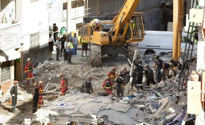 Hallan un sexto cadáver en el edificio derrumbado de Los Cristianos