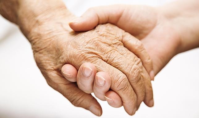 Causas genéticas últimas del envejecimiento, que comienza a los 40-50