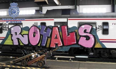 20 grafiteros causan daños de casi dos millones de euros en Valencia