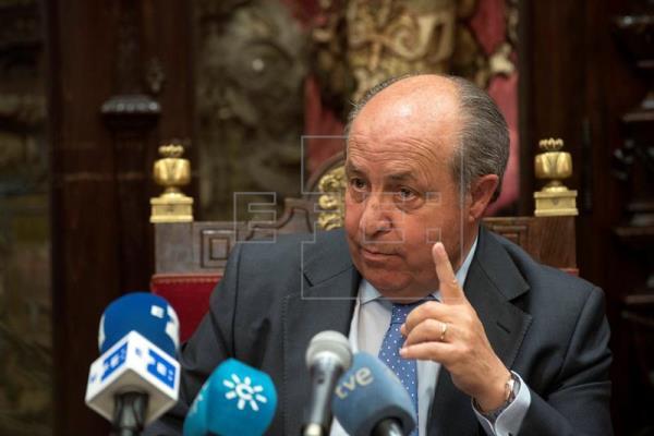 El Ayuntamiento de Granada inicia el proceso para elegir al nuevo alcalde