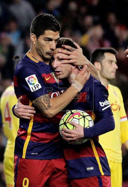 6-0. Otra noche de Suárez, que con otro póquer acerca al Barcelona a la Liga