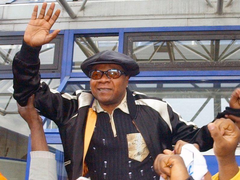 El cantante congoleño Papa Wemba muere en un concierto en Costa de Marfil