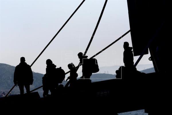 La guardia costera griega rescata a 49 refugiados cerca de la isla de Samos