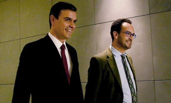 El PSOE anuncia el inicio de reuniones a tres y no descarta que Sánchez acuda