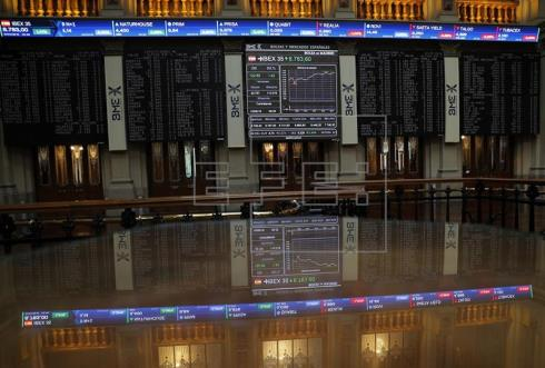 La Bolsa española abre en festivo con fuertes pérdidas y el IBEX cede el 1,10 %