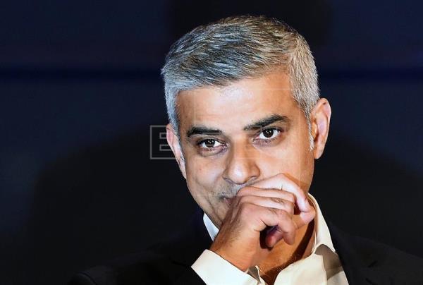 El laborista Sadiq Khan asume como alcalde de Londres