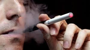 EE.UU. prohibirá la venta de cigarrillos electrónicos a menores de 18 años