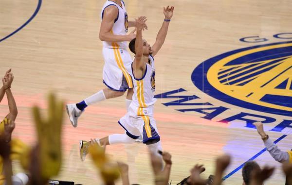 Los Warriors, con los Splash Brothers, están en las finales; ventaja de Raptors